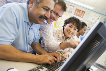 picture of Seniors on computer